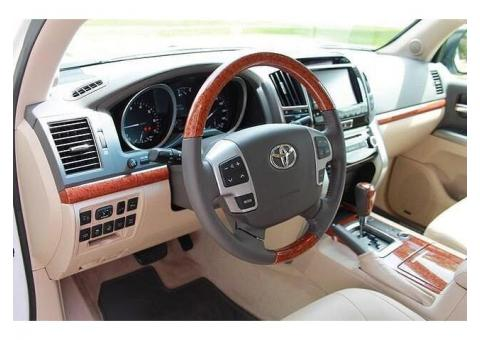 Selling 2013 Toyota Land Cruiser Base 4x4 4dr SUV
