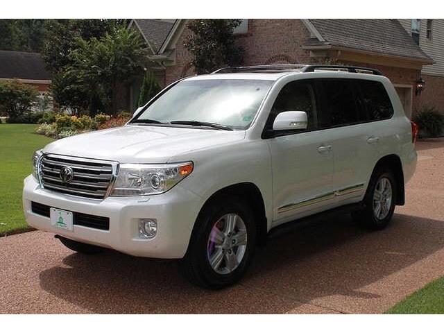 Selling 2013 Toyota Land Cruiser Base 4x4 4dr SUV - 2/3